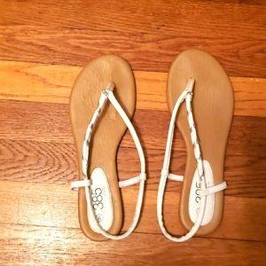 385 Fifth White Sandal